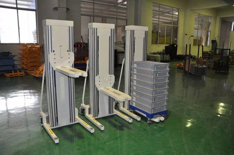 深圳电动堆高车(非标车)