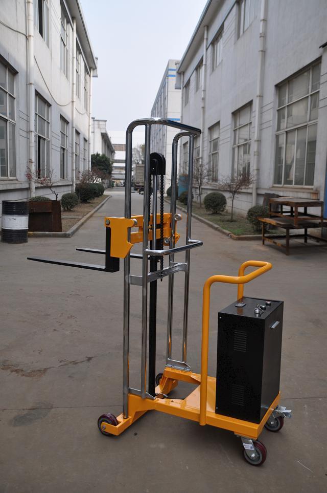 深圳轻型半电动堆高车
